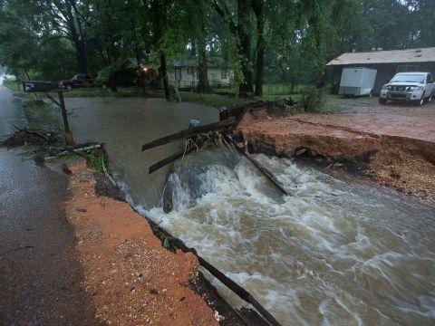 LAP_louisiana_flooding_1_jt_160813_4x3_992
